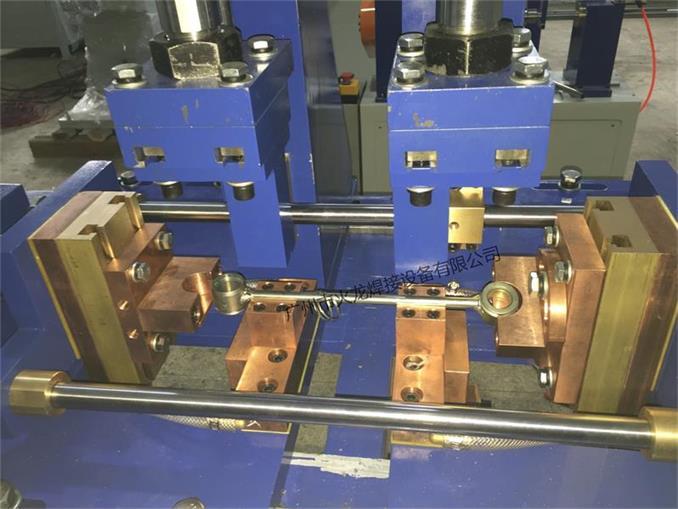 平衡杆焊机